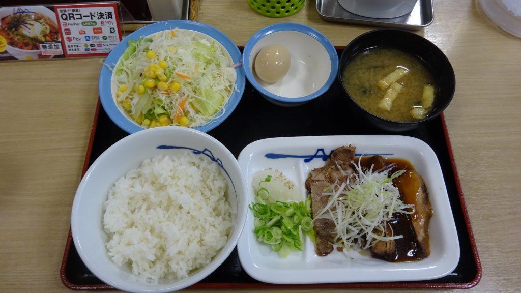 豚焼肉と豚角煮のあいもり定食